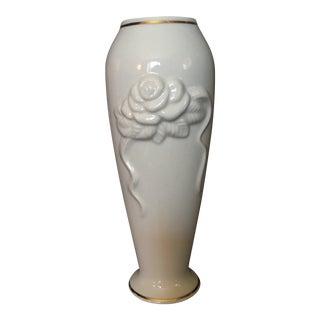 1980s Shabby Chic Lenox Ivory Porcelain Rosebud Vase For Sale