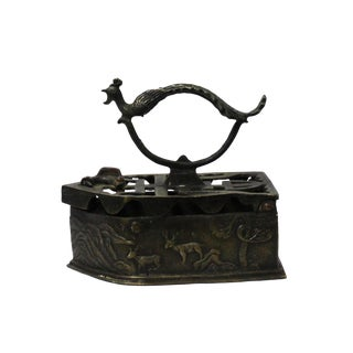 Chinese Handmade Metal Bronze Color Old Fashion Iron Shape Display For Sale