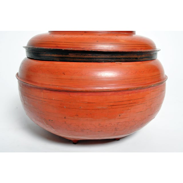 Mid 20th Century Burmese Red Lacquer Offering Urn For Sale - Image 5 of 13