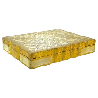 20th Century Italian Florentine Gilt Scallop Rim Box For Sale