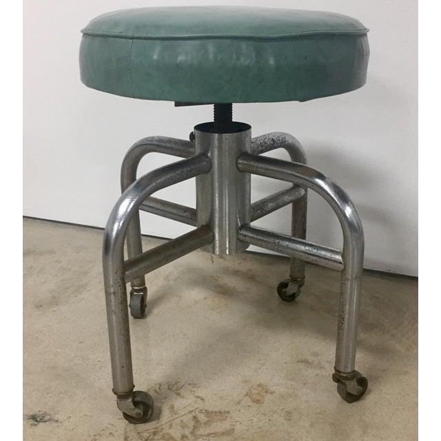 1940s Industrial Tubular Steel Rolling Stool and Cantilevered Table For Sale In Houston - Image 6 of 7