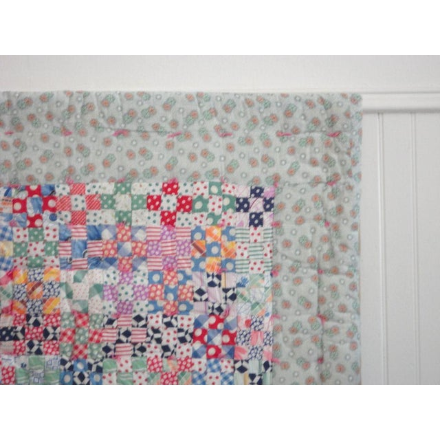 1930s Fantastic Mounted Postage Stamp Crib Quilt from Pennsylvania For Sale - Image 5 of 7