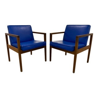 George Nelson for Herman Miller Leather Armchairs - a Pair For Sale