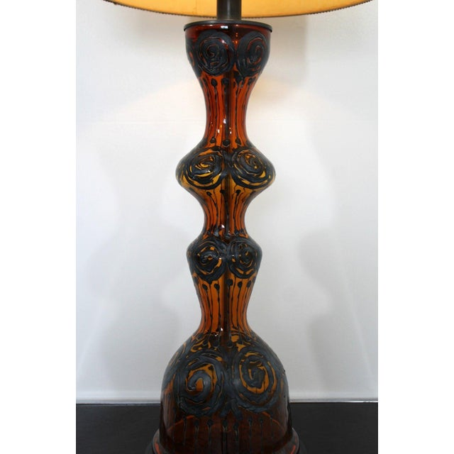 Mid Century Modern Amber Painted Sterling Silver Glass Table Lamp With Shade For Sale - Image 9 of 12