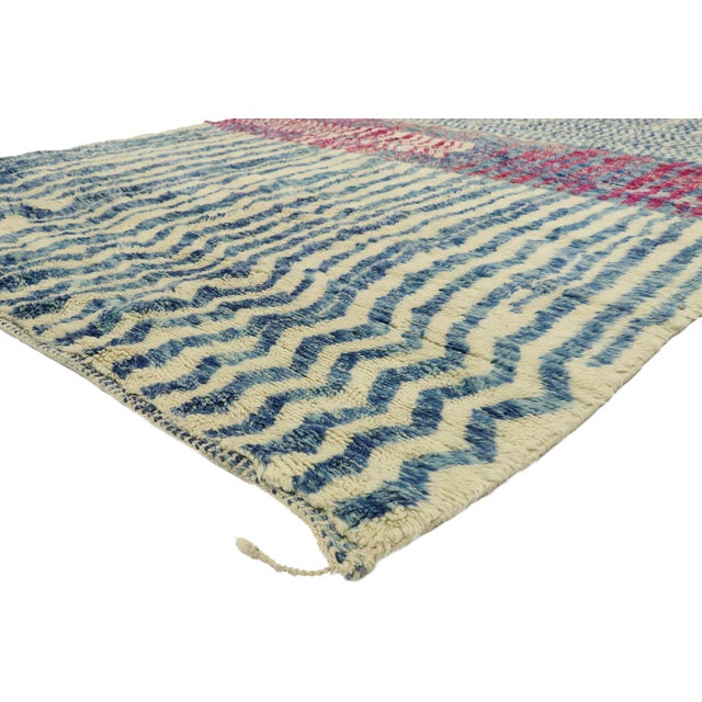 21044 Contemporary Berber Moroccan Rug with Abstract Linear Design and Plush Pile. Displaying asymmetrical spontaneity and...