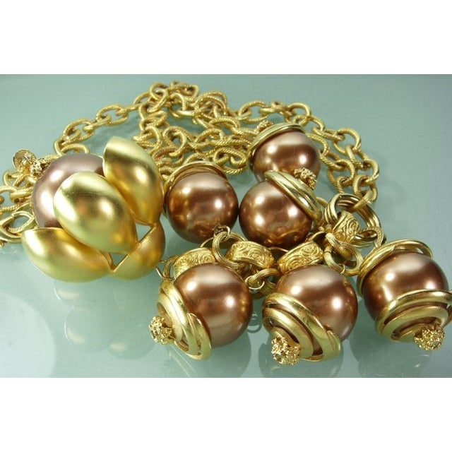 1980s Runway Cocoa Pearls Long Pendant Necklace - Image 6 of 7