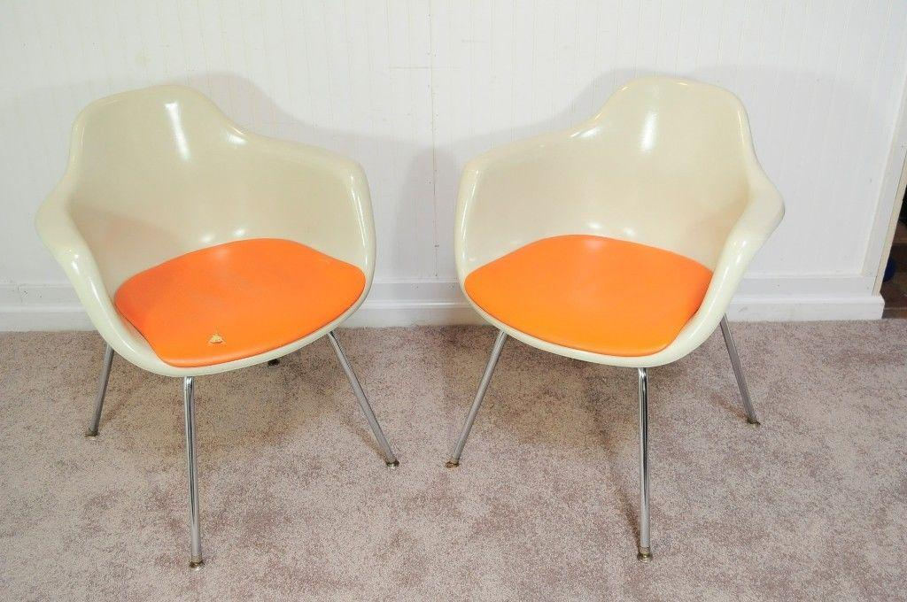 Vintage Pair Of Krueger Arm Chairs Mid Century Modern Fiberglass