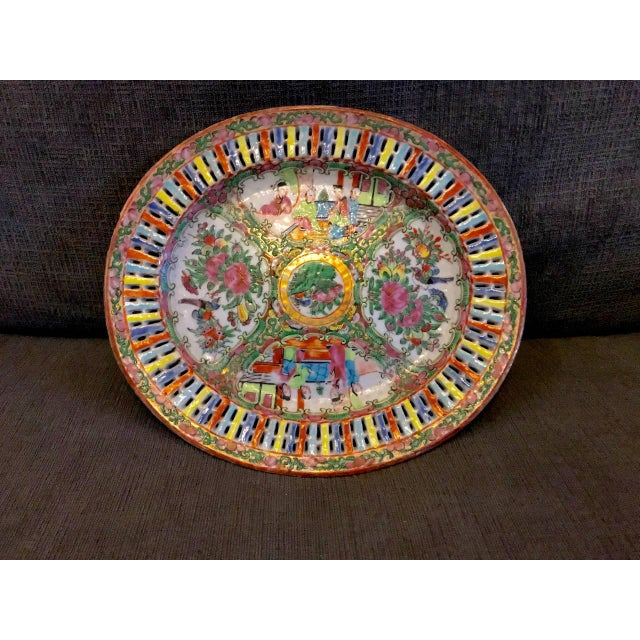 Pink Chinese Export Rose Medallion Reticulated Bowl and Underplate, circa 1860 For Sale - Image 8 of 10