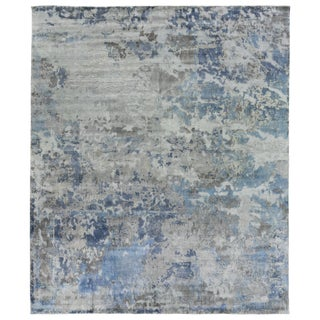 Revin Silver Hand loom Bamboo/Silk Area Rug - 6'x9' For Sale