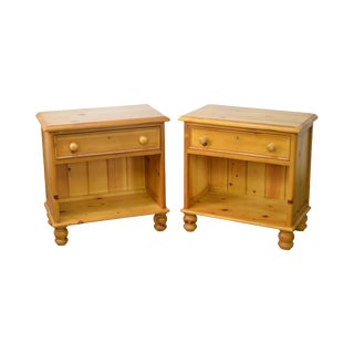 Wexford Collection Country Pine Pair of 1 Drawer Nightstands