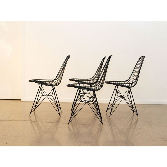Eames Black Original Eames Wire Chairs - Set of 4 For Sale - Image 4 of 7