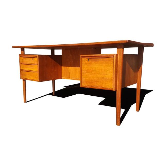 Danish Modern Danish Mid-Century Modern President Desk by Peter Lovig Nielsen For Sale - Image 3 of 10