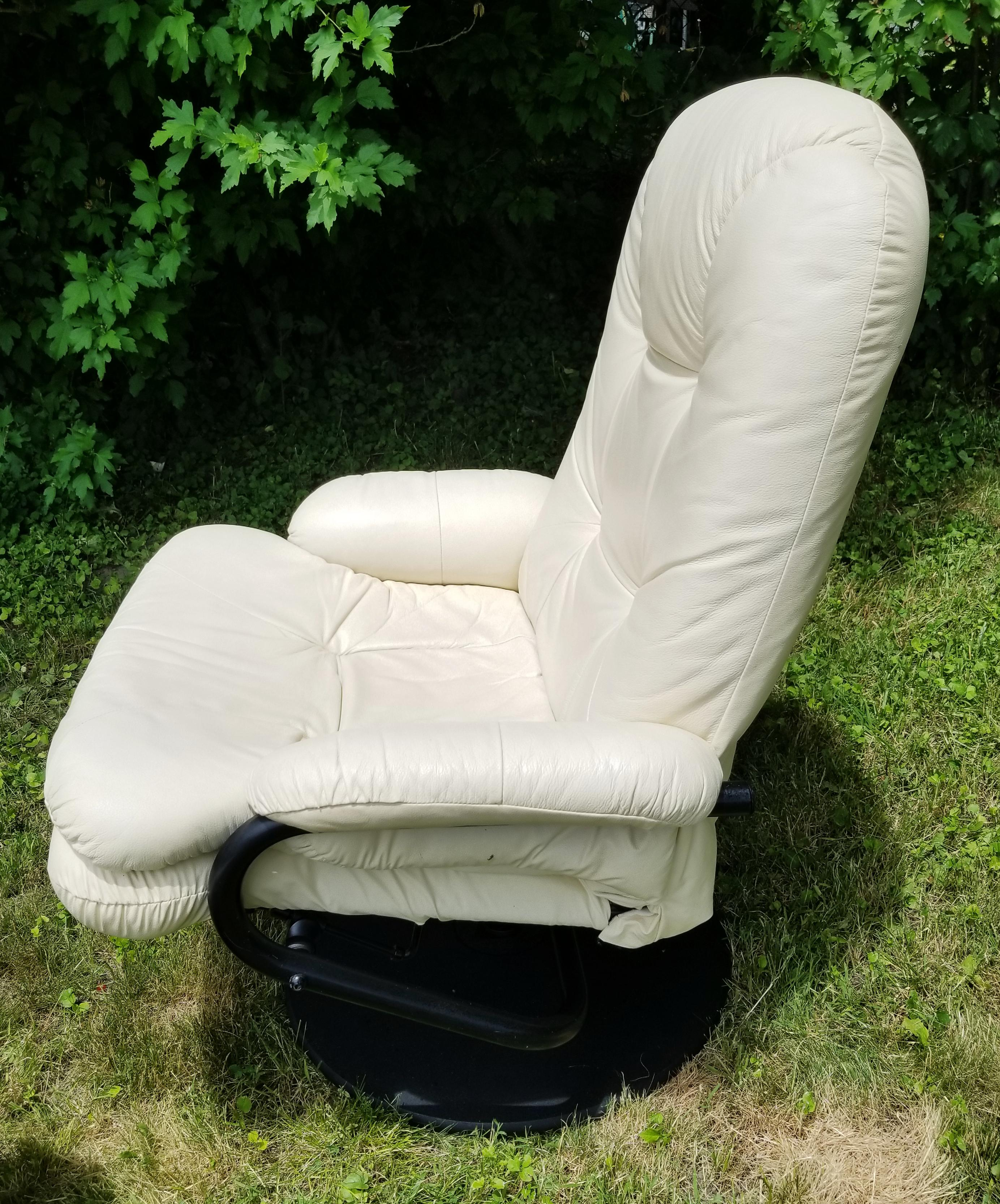 Contemporary Palliser White Leather Swivel Recliner U0026 Ottoman For Sale    Image 6 Of 11