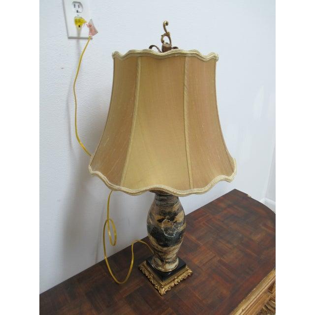 Italian Regency Louis XV Brass Marble Urn Table Lamp For Sale In Philadelphia - Image 6 of 11