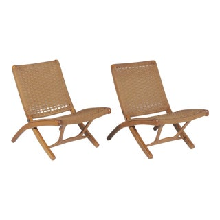 1960s Vintage Hans Wegner Style Folding Rope Lounge Chairs- A Pair For Sale