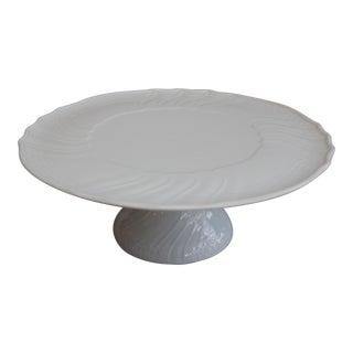 Dresden White Scalloped Porcelain Cake Stand For Sale