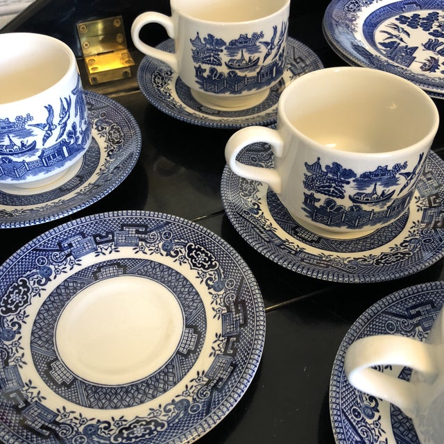 Blue 1980s Vintage Blue Willow Churchill England Serveware Collection - 36 Pieces For Sale - Image 8 of 12