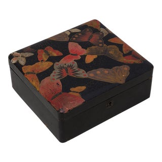 Chinoiserie Black Lacquer Box With Butterflies For Sale