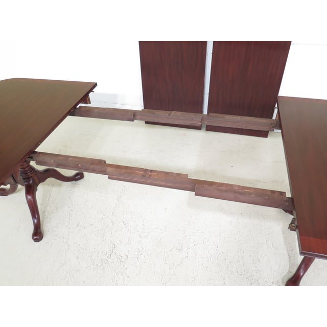 Queen Anne Henkel Harris Banded Mahogany Dining Room Table For Sale In Philadelphia - Image 6 of 12