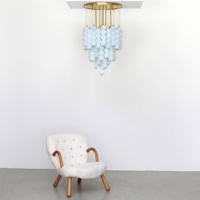 1980s Very Huge Opaline Murano Glass Balls and Brass Chandelier by Zero Quattro Milan For Sale - Image 5 of 6