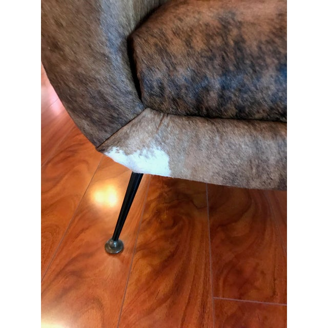 Italian Mid-Century Modern Club Chairs Covered in Cowhide - a Pair For Sale - Image 12 of 13