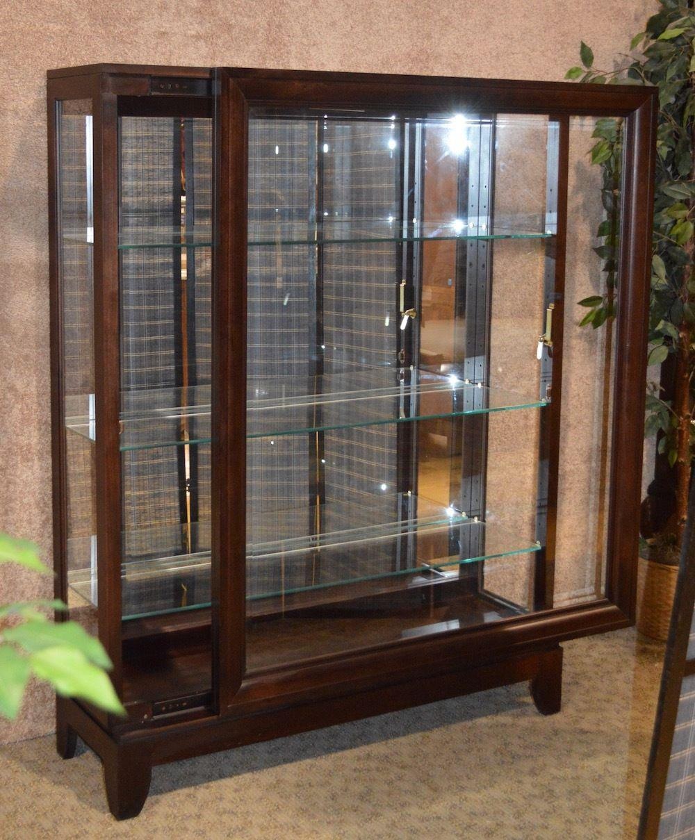 Pulaski Curio/Display Cabinet. Has A Transitional Style With Clean Straight  Lines A Front