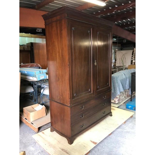 1990s English Mahogany Gentleman's Chest For Sale - Image 5 of 9