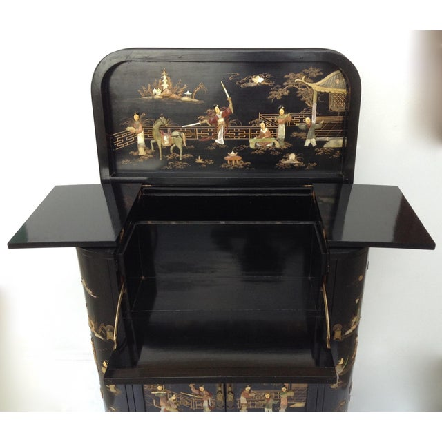 Abalone c.1950s James Mont Designed Asian-Style Dry Bar Cabinet by George Zee & Co. For Sale - Image 7 of 13