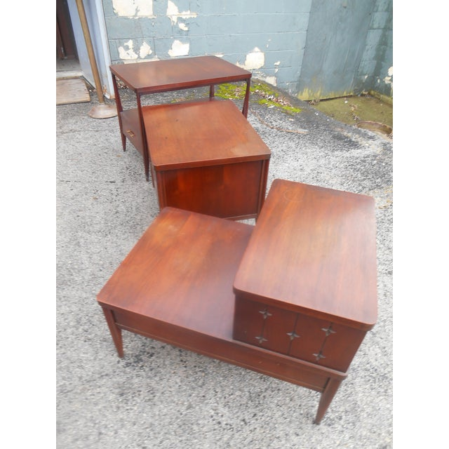 Broyhill 1960s Mid-Century Modern Broyhill Saga Living Room End Tables - Set of 3 For Sale - Image 4 of 5