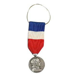 1950s French Military Médaille Honneur Et Travail Ornament For Sale