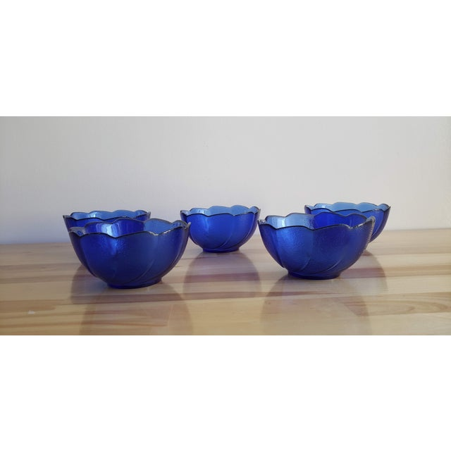 Small Blue Scalloped Edge Glass Bowls - Set of 5 For Sale - Image 4 of 5