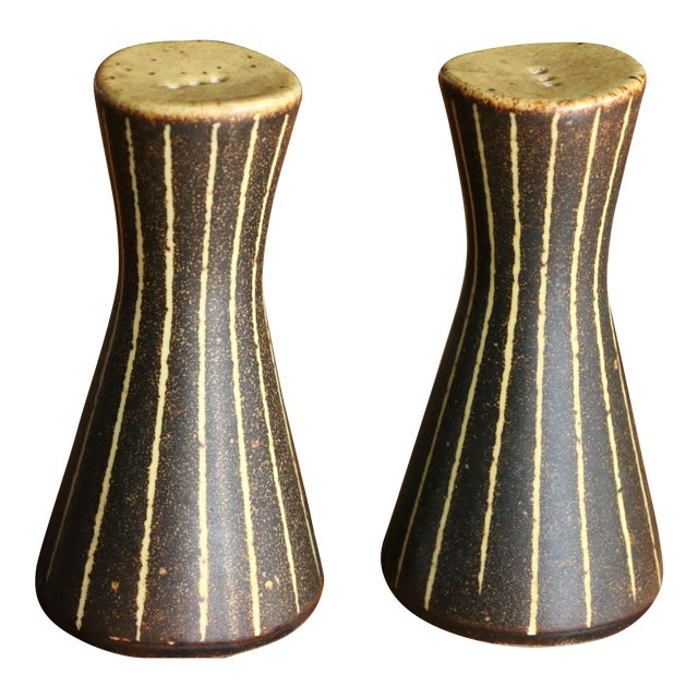 Frank Mann Pottery Salt and Pepper Shakers For Sale