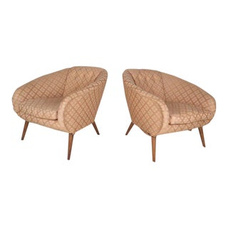 Mid-century Modern Barrel Back Lounge Chairs- a Pair For Sale