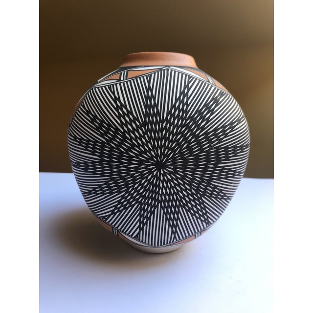 Acoma Pueblo Pottery Signed Char Victorino For Sale - Image 4 of 8