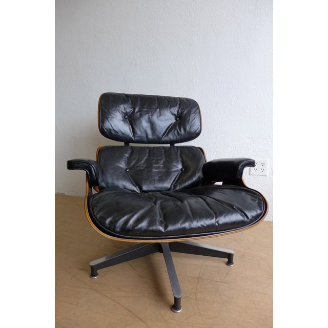 Mid-Century Modern Eames 670/671 Leather Lounge Chair For Sale - Image 3 of 9