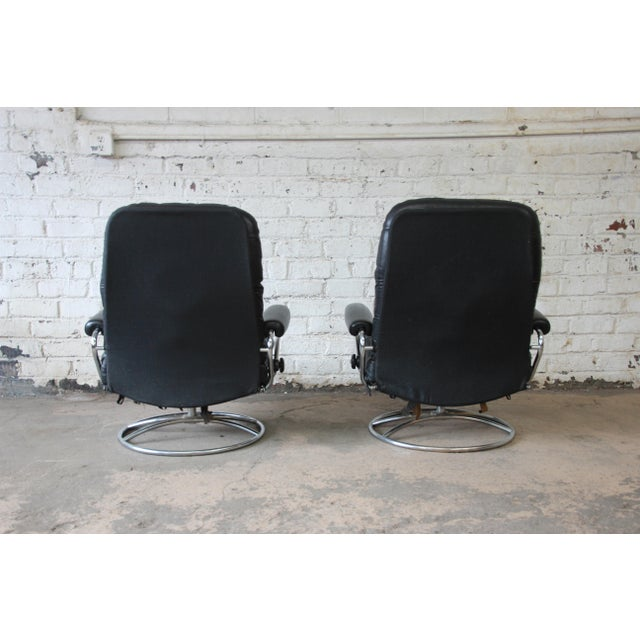 Vintage Black Leather Ekornes Stressless Lounge Chairs & Ottomans - a Pair For Sale In South Bend - Image 6 of 9