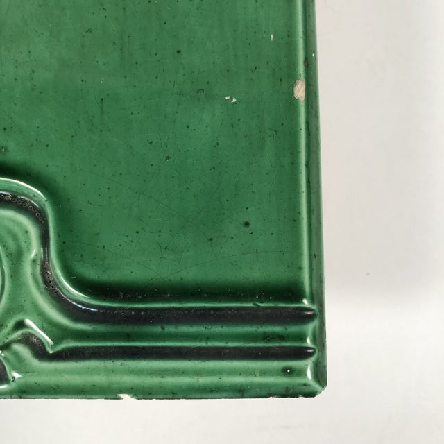 1900 - 1909 Art Nouveau Emerald Green Glazed Tree Ceramic Tile For Sale - Image 5 of 11