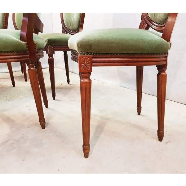 French Vintage Louis XVI Style Green Velvet Medallion Back Dining Chairs - Set of 6 For Sale - Image 4 of 13