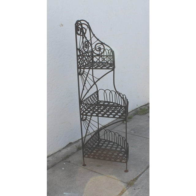Early 20th Century Spanish Looking Iron Corner Three-Tier Shelf For Sale In Los Angeles - Image 6 of 8