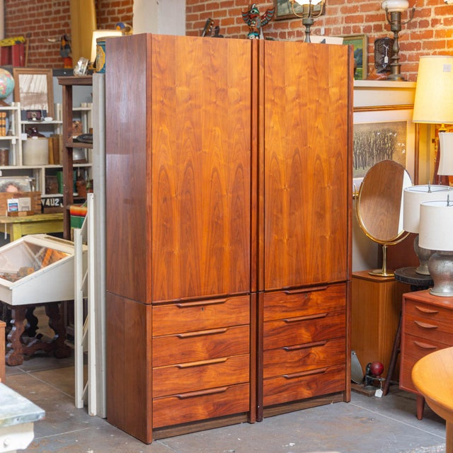 1960's Barzilay Tall Wardrobe-a Pair For Sale In Los Angeles - Image 6 of 6