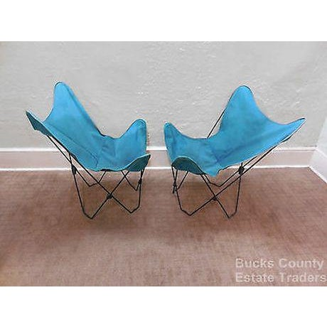 Mid Century Modern Pair of Folding Iron & Canvas Butterfly Chairs For Sale - Image 10 of 13