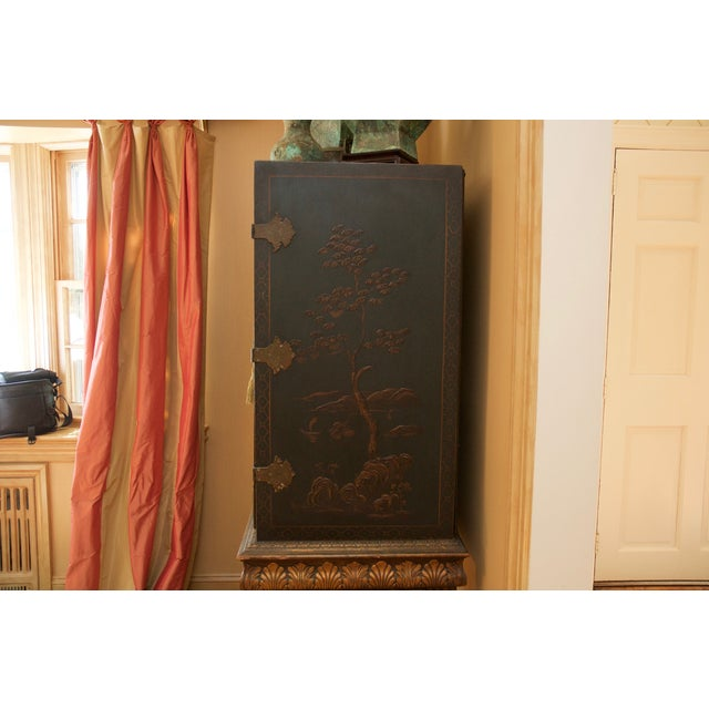 Hunter Green Vintage Chinoiserie Cabinet With Rais - Image 3 of 10
