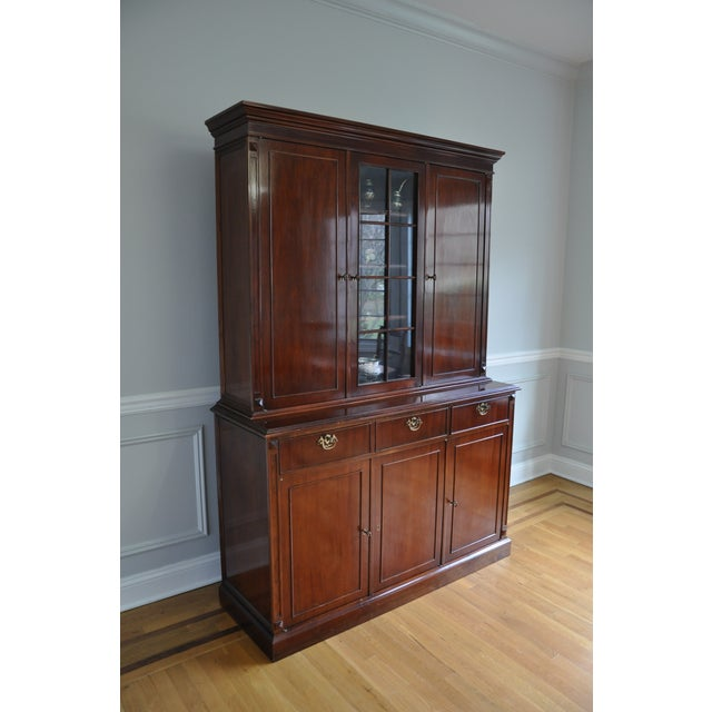 English Traditional Vintage Artisan Crafted Mohogany Breakfront China Cabinet For Sale - Image 3 of 6