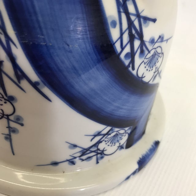 Chinese Blue and White Porcelain Flower Pot For Sale In Charlotte - Image 6 of 7