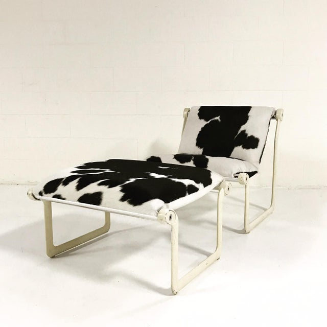 Knoll Forsyth One of a Kind Morrison & Hannah for Knoll Chair & Ottoman Restored in Black & White Brazilian Cowhide For Sale - Image 4 of 11