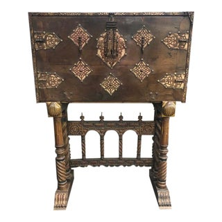Early 17th Century Spanish Vargueno For Sale