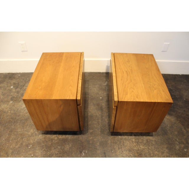 Lane Furniture Milo Baughman Style Mid Century Modern Burl Wood Nightstands a Pair For Sale In Dallas - Image 6 of 9