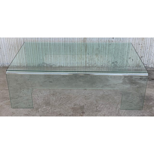 20th Century Mid-Century Modern Rectangular Curved Glass Coffee Table For Sale - Image 4 of 11