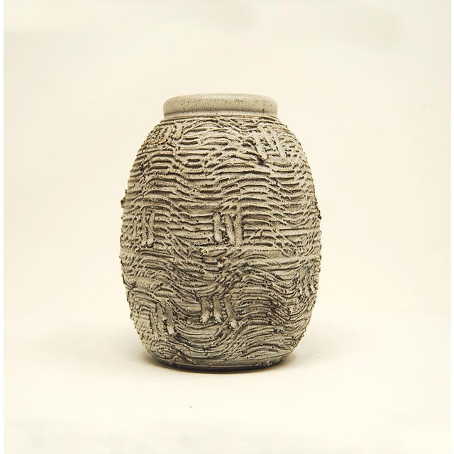 Early Design Technics Pottery Vase For Sale In Providence - Image 6 of 6