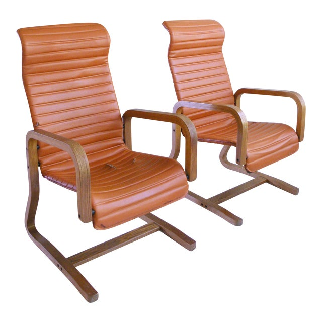 Mid-Century Modern Thonet Bentwood Cantilever Lounge Chairs - a Pair For Sale